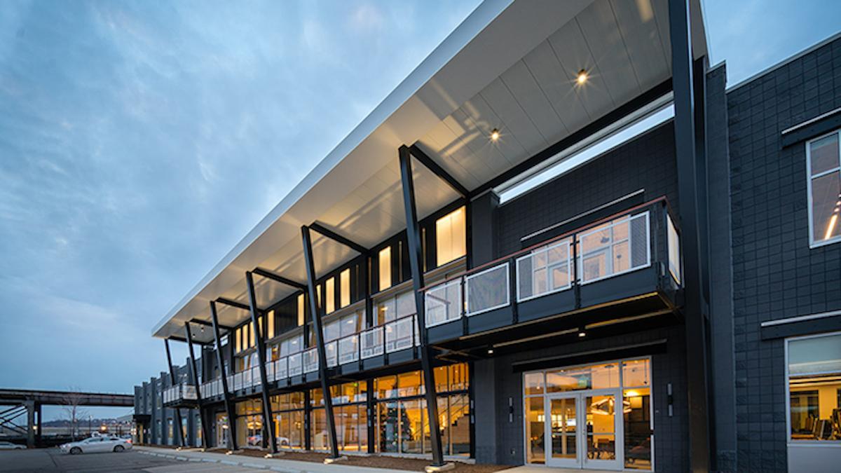 BANNERrtUber_Tech_Center-1